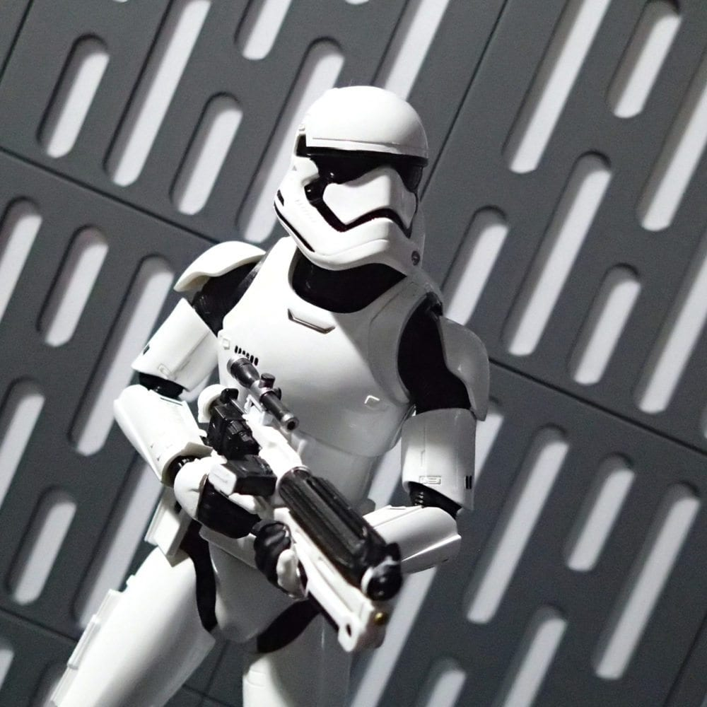 SH Figuarts First Order Stormtooper , space walls
