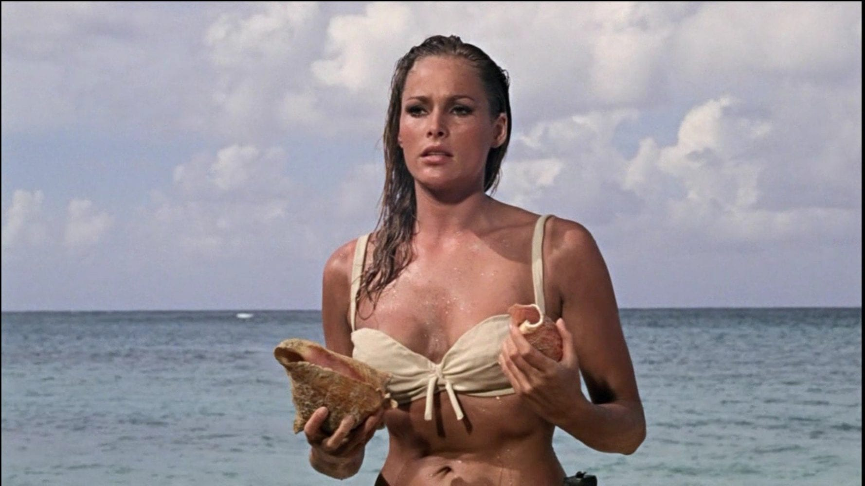 ursula andress and her shells, James Bond, Dr. No, Sean Connery, 007