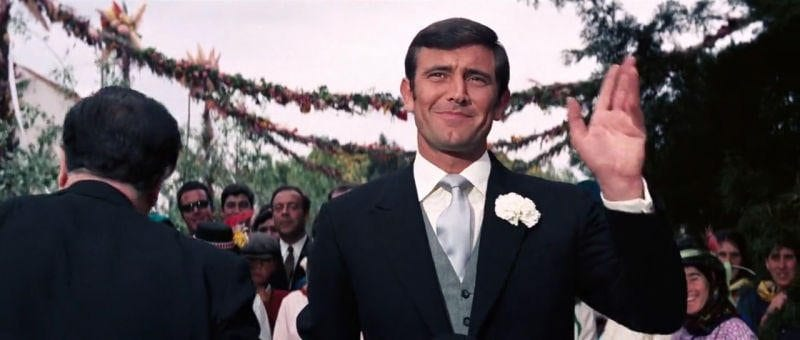 On Her Majesty's Secret Service- Lazenby waving