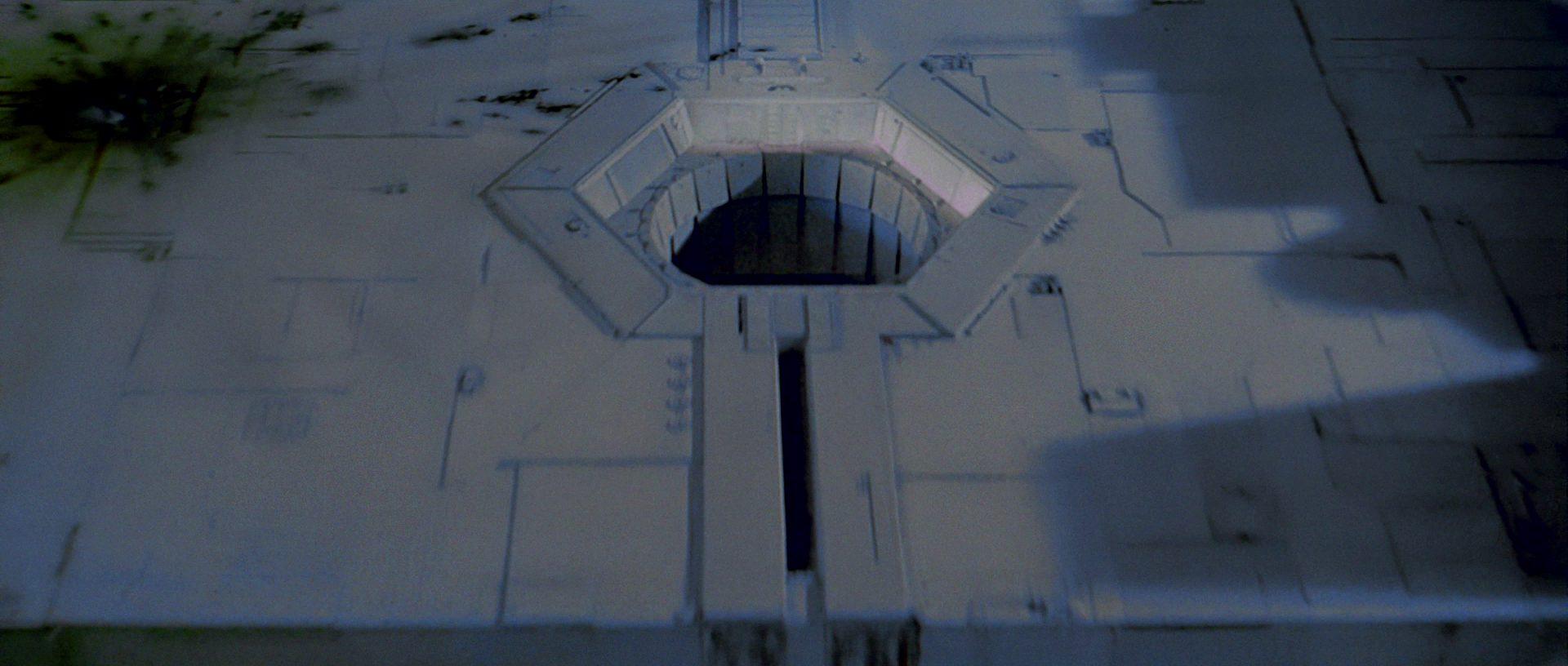 Star Wars plot holes - exhaust port