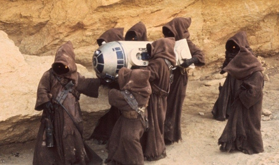 Starships, Sabers, and Scoundrels Episode 31 - Jawas carrying Artoo
