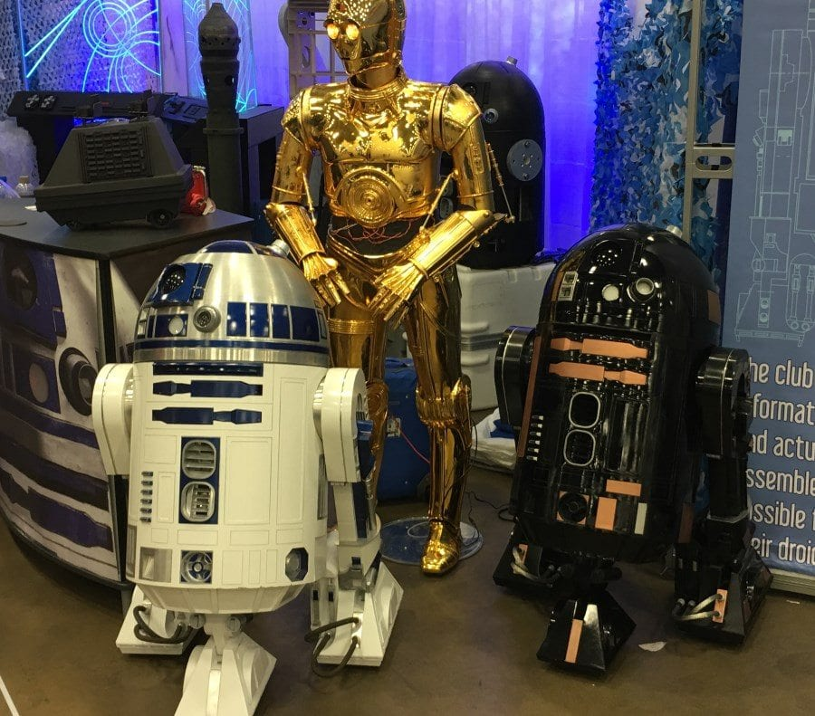 FAN EXPO Dallas 2018 - The Droids of the R2 Builders Club