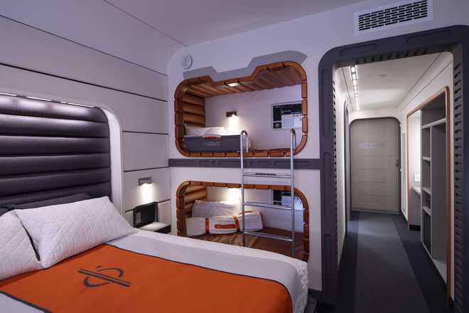 Star Wars Galactic Starcruiser room